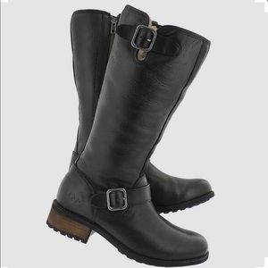 UGG Chancery Bomber Boots shearling - Size 9